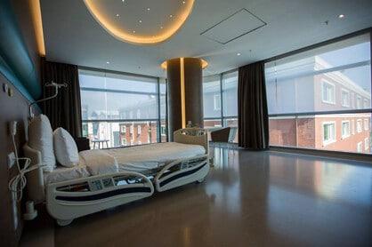 cosmedica clininc bed