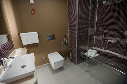 cosmedica clinic shower