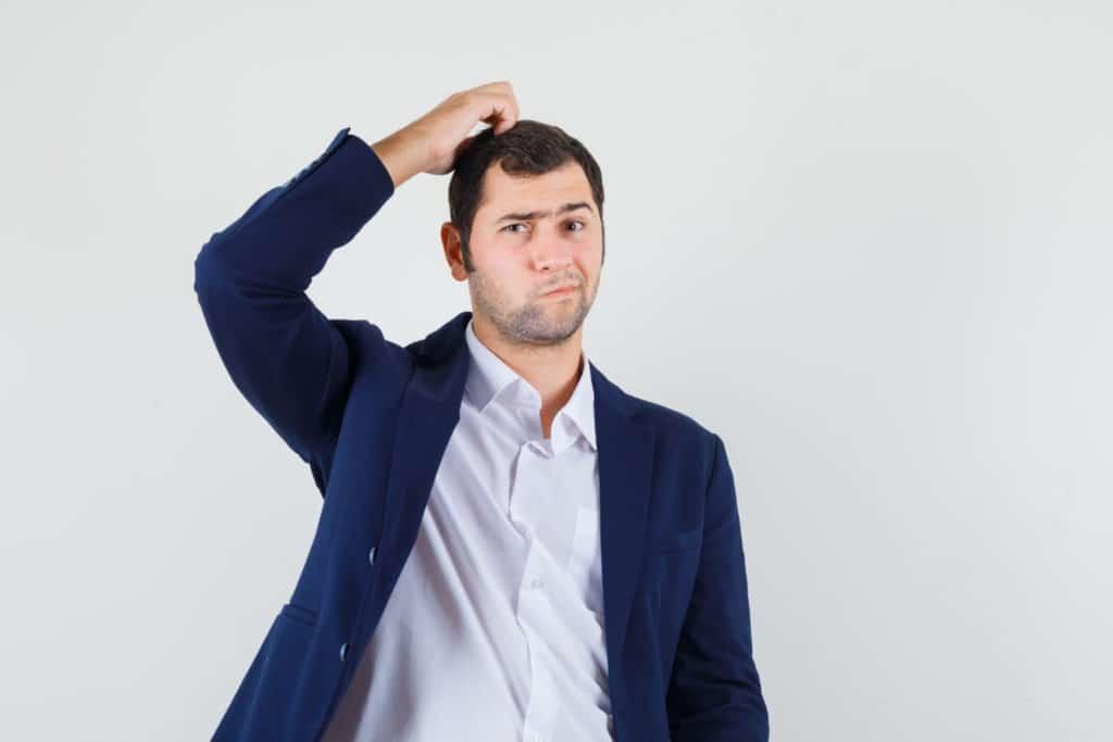 Cuir chevelu sec et chute de cheveux et greffe de cheveux